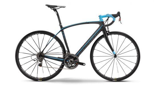 #Haibike Affair 8.70 înseamnă perfomanță. Cele 6,2 kg vor face cățărările mai accesibile, iar Sram echipează #transmisia #cursierei cu cel mai bun grup al său: #Sram Red. Affair 8.70 îmbină aerodinamica, lejeritatea și confortul într-o rețetă de mare succes. Vă recomandăm acest model de #bicicleta pentru competiție (sau Affair 8.60 dacă preferați #Shimano Ultegra)!