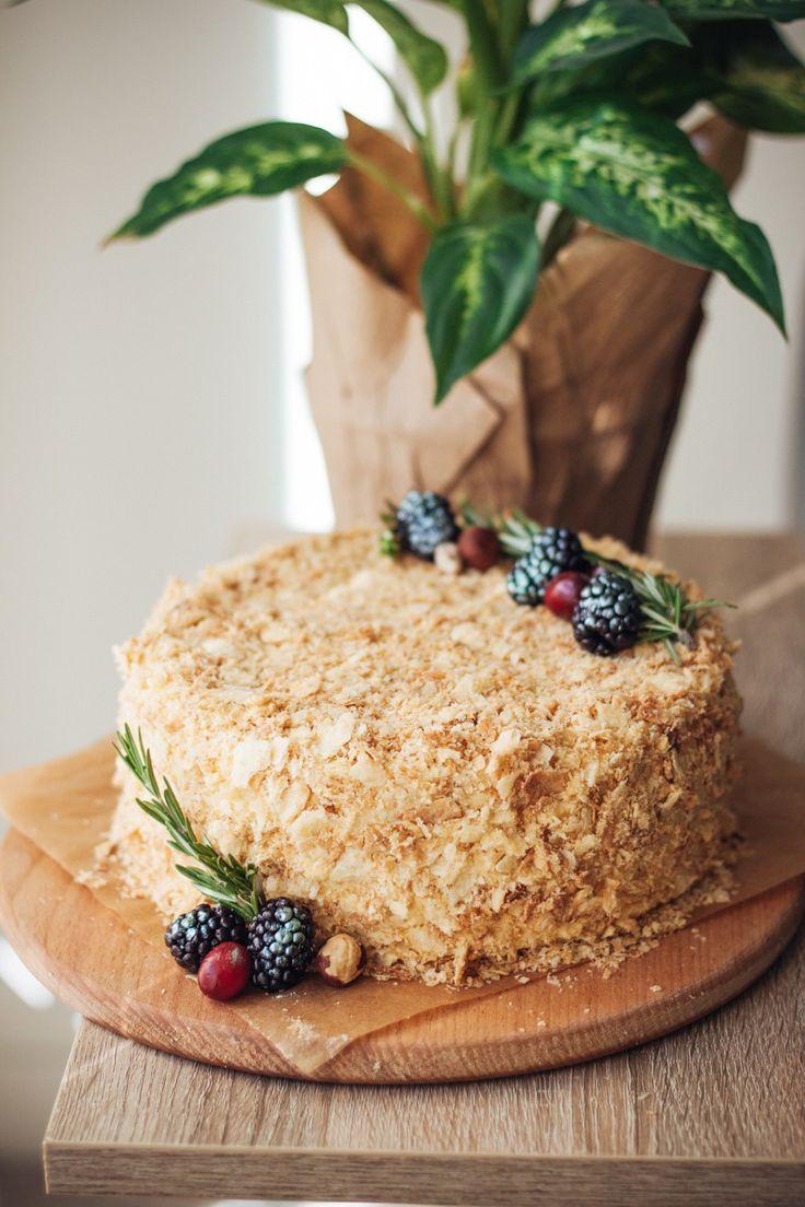 Ukrainian Napoleon cake - simple pretty decoration