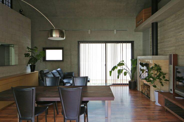 岩瀬アトリエ建築設計事務所 有限会社 の モダンな リビングルーム ハナミズキ通りの家