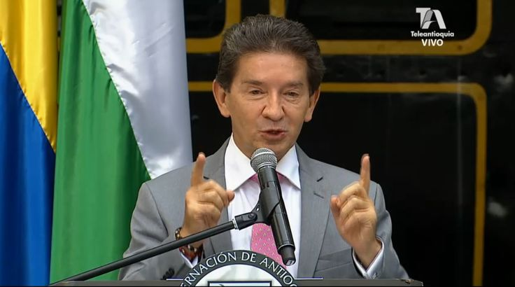 Luis Pérez Gutiérrez firma constitución de Ferrocarril de Antioquia !