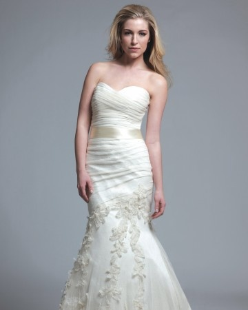 Cool Modern Trousseau Trumpet Wedding Gown