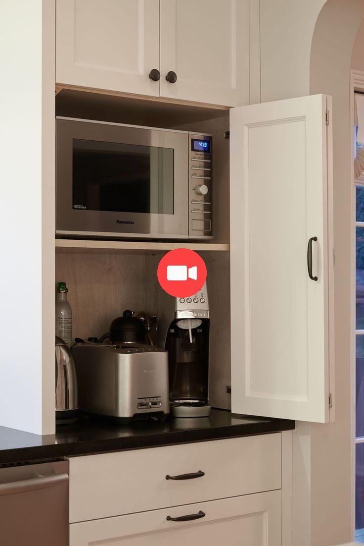 30 Etonnante Des Idees De Rangement Cache Cuisines Les Vous Il Est Ncessaire De Ideesdecui Modern Kitchen Cabinet Design Hidden Kitchen Kitchen Cabinet Design