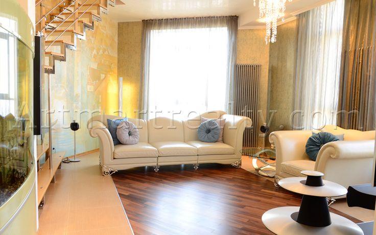ул. Дарвина, 1 Эксклюзивные трехэтажные апартаменты 250кв.м с террасой 115кв.м в самом центре столицы - районе элитных Печерских Липок.