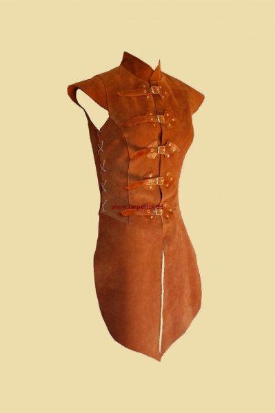 Tabbard for women made of leather par Larperlei sur Etsy