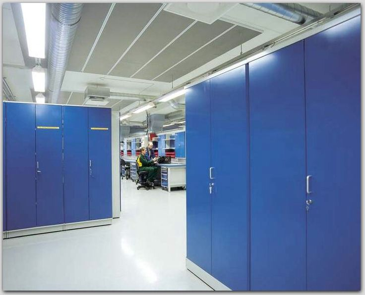 Металлические шкафы для хранения инструмента