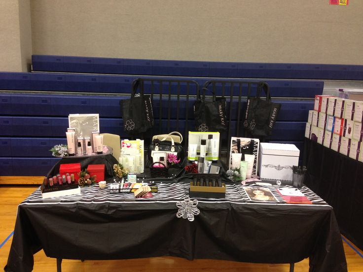 11 curated vendor event ideas ideas by dianarod13 mark for Table top display ideas