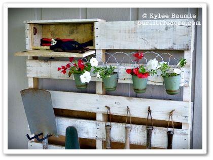 Our Little Acre: DIY: My Lowe's Creative Ideas Pallet Project