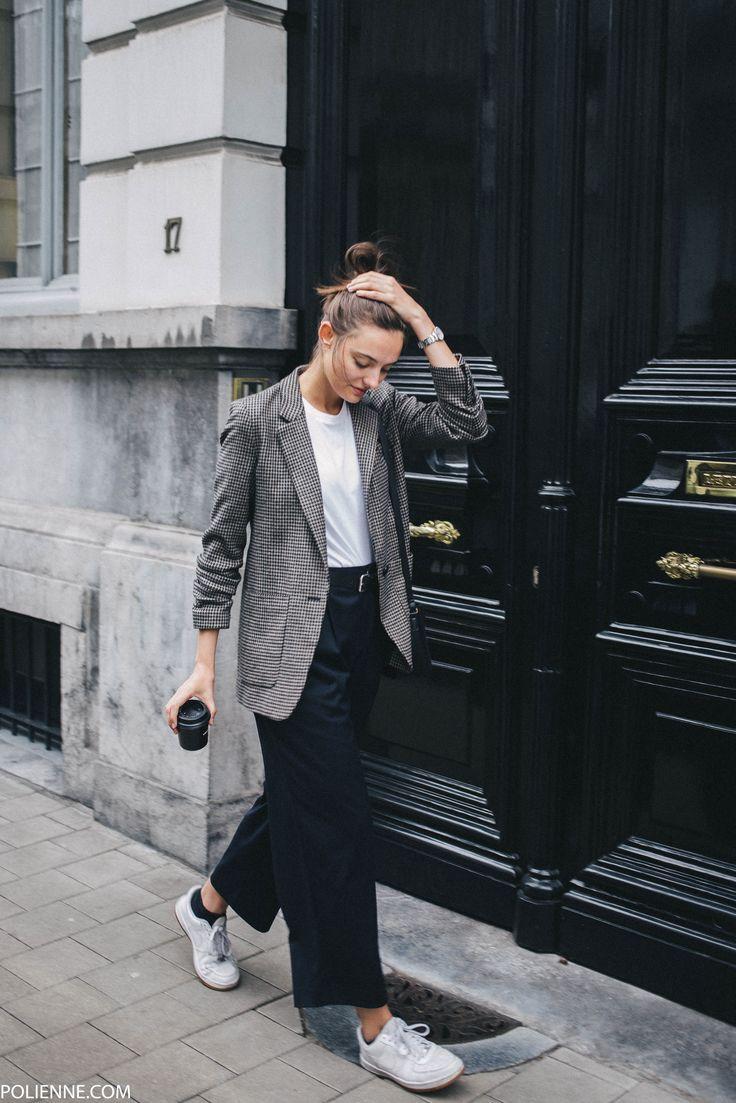POLIENNE by Paulien Riemis   wearing ZARA tartan blazer, CLOSED tee, WEEKDAY trousers, PULL&BEAR bag in Antwerp, Belgium