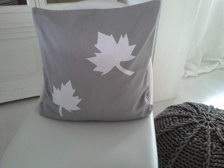 ber ideen zu graue kissen auf pinterest. Black Bedroom Furniture Sets. Home Design Ideas