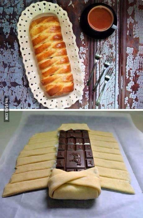 STRUDEL AL CIOCCOLATO Pasta sfoglia già pronta, una tavoletta del vostro cioccolato preferito, un tuorlo da spennellare per la doratura. Cuocere in forno a 180* per circa 15'quando la sfoglia diventa dorata.