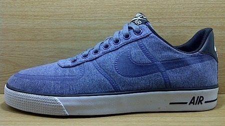 Kode Sepatu: Nike Air Force 1 Vulc Blue  Ukuran Sepatu: 42.5 Harga: Rp. 660.000,- Untuk pemesanan hub 0831-6794-8611