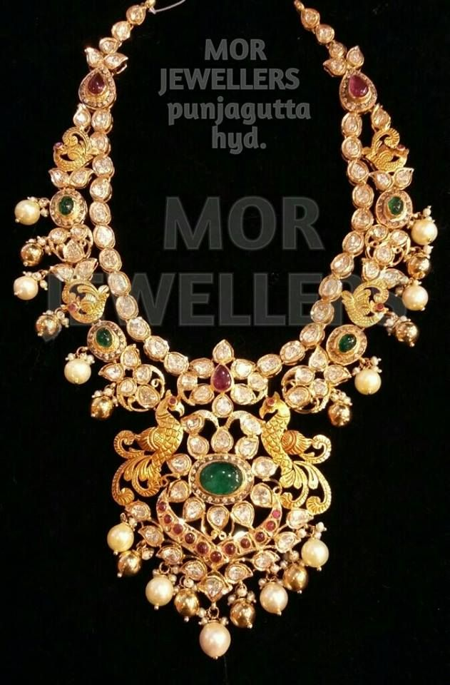 Jewellery Designs: Pachi Necklace Exclusive Bridal Designs