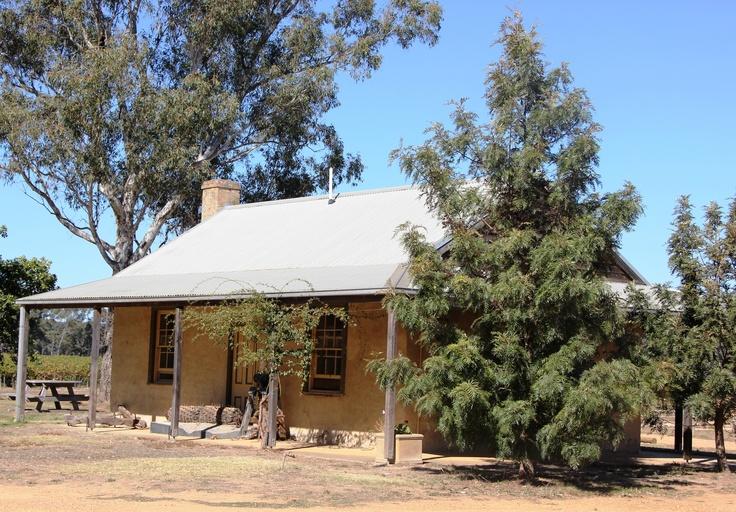 Colonial Cottage,Australia
