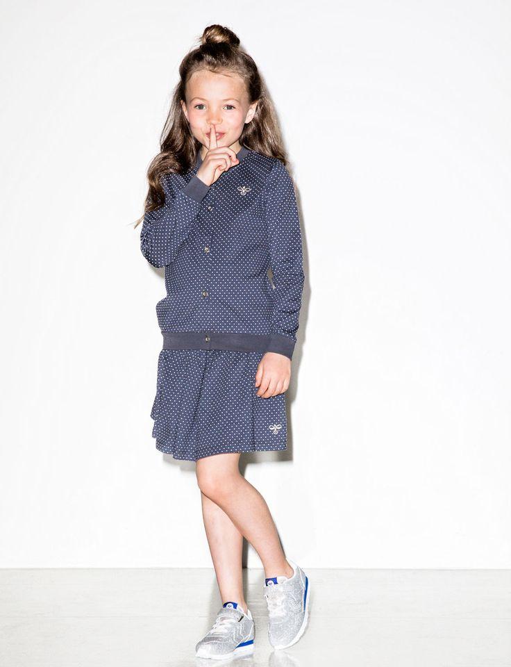 sssst... I love this old skool cardigan & skirt van Hummel kids.