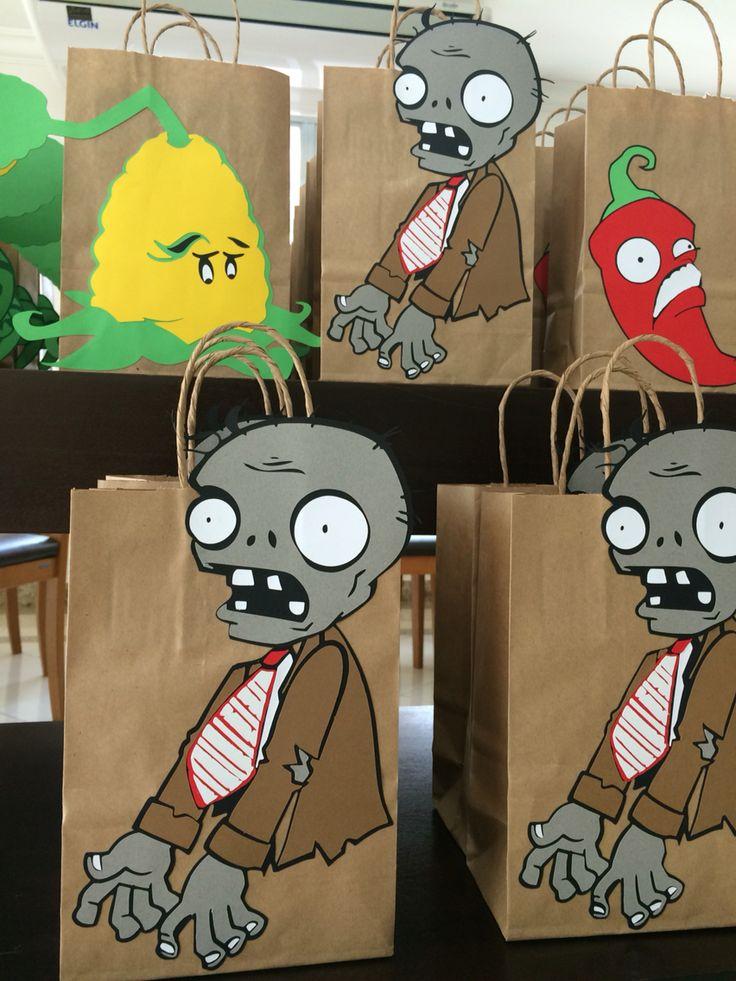 Lembrancinhas Plants vs Zombies by Papelinttê