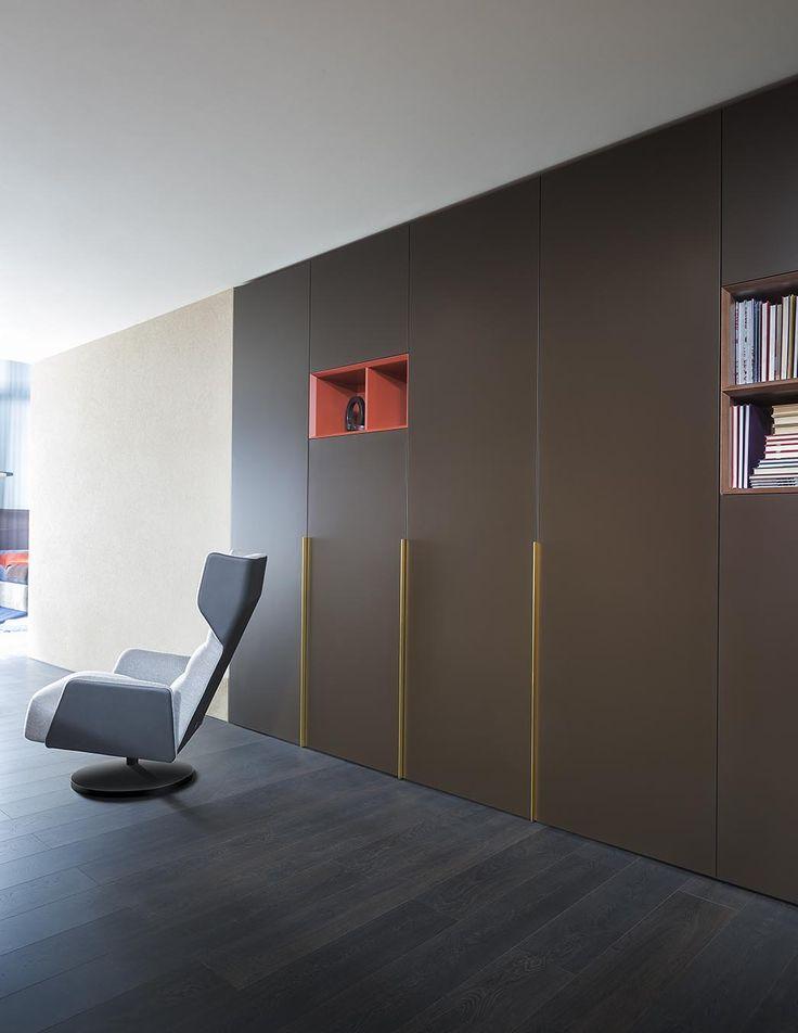 Salone del Mobile 2017 | armadio PLANA,  poltrona MUSA | PLANA wardrobe, MUSA armchair | PIANCA | www.pianca.com