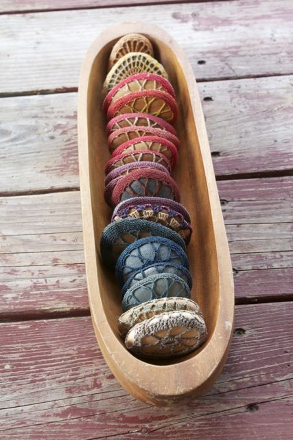 these crochet stones look like macarons - lovely!