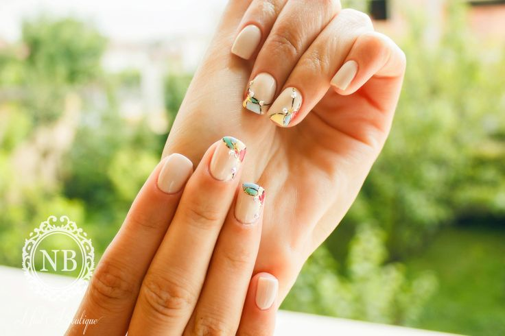 We love these cute and simple nails