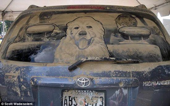 Amazing art on dirty cars...Awsome!
