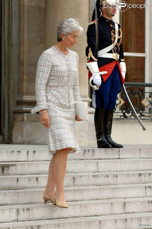 Les tailleurs jupes font partie intégrante de la garde-robe de Christine Lagarde.
