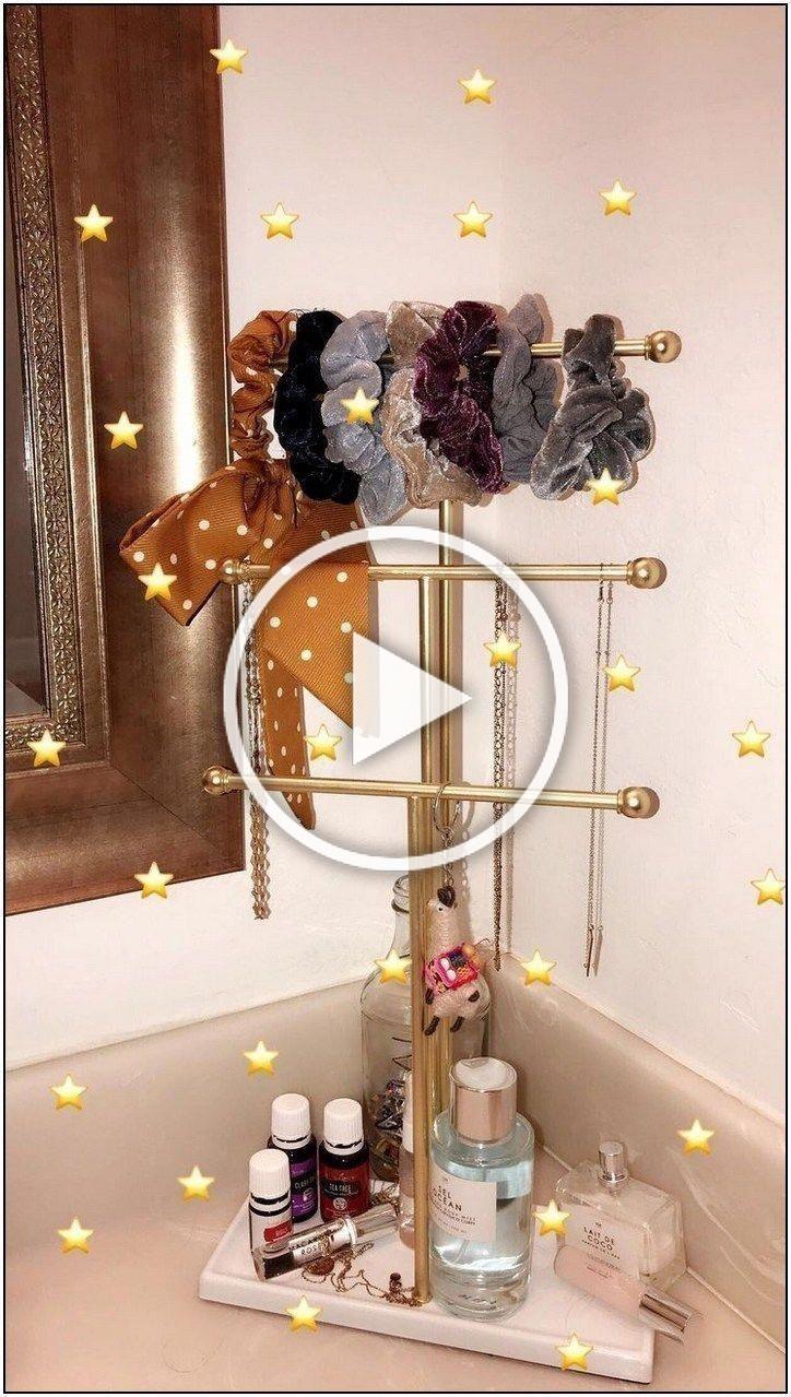 30 Cute Dorm Room Decorating Ideas That Looks Very Elegant ... on Classy Teenage Room Decor  id=51874