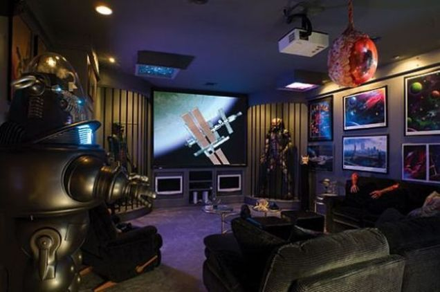 Scifi Remodel People Who Have Converted Their Homes Into Imaginary Worlds Display Spaceships And Home