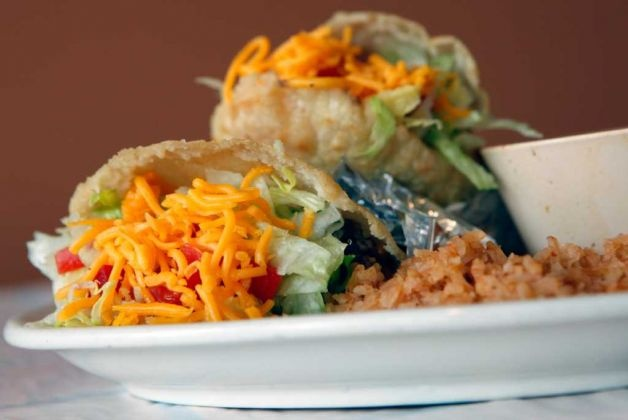 The De Zavala H and G Fajita Taco Place got a great review from our food folks. (William Luther, San Antonio Express-News)