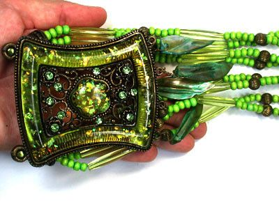 TRIBAL REPLICA  OLIVE GREEN NECKLACE  TR41  FASHION ACCESSORY FROM JEWELERY-AUCTIONED.COM