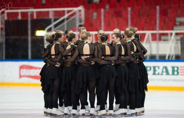 ❤️   (C) Joonas Puhakka  http://jpphoto.pic.fi/kuvat/Sports/Ice+skating/Synchronized+Skating/1-SM+karsinta+turku+2015/Päivä+2/Seniorit+Vapaaohjelma/Team+Unique+Vapaaohjelma/