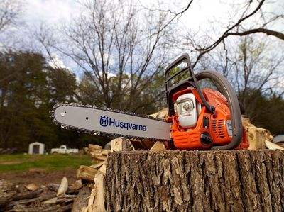 Top Ten Best Chainsaw Reviews For 2018: Find Top Brand Professional Saws For Commercial And Homeowner Use