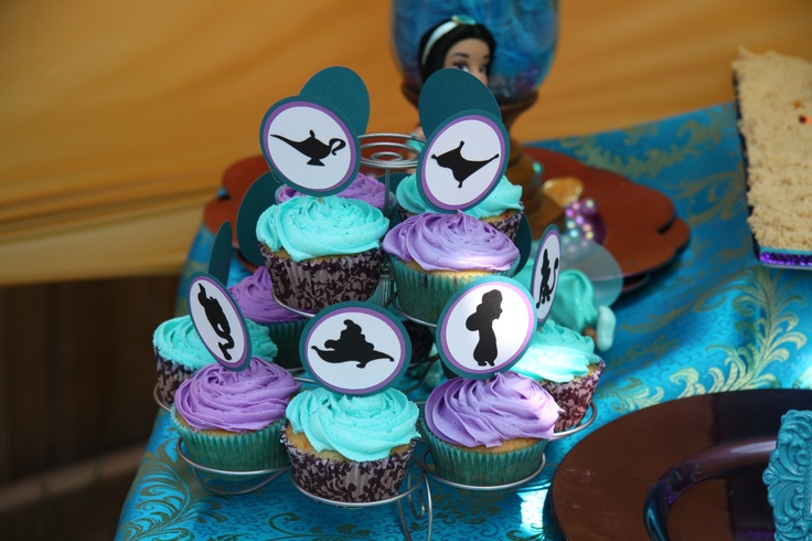 cupcakes and toppers