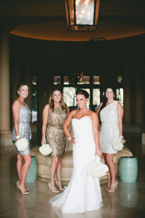 Mariage: De robes � sequins pour les demoiselles d�honneur