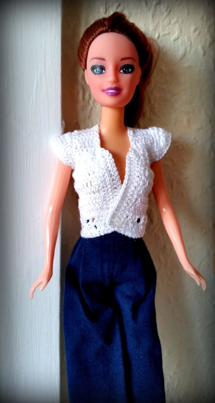 Completo estivo per Barbie: pantaloni lunghi blu scuro cotone jersey + gilet bianco manica corta in cotone fatto all'uncinetto di DrittoRovescio su Etsy