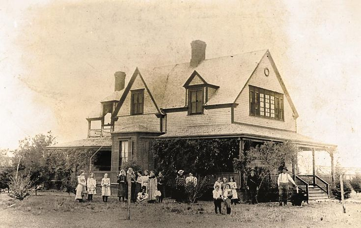 Charles Goodnight house, circa 1895.– Courtesy Charles Goodnight Historical Center in Claude, Texas –