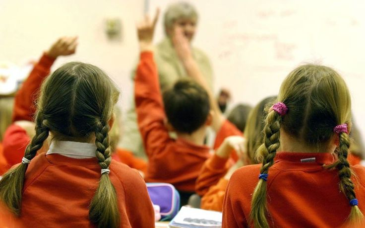 Girls who take maths and science at A-level will go on earn a third more in wages than those who stick to the arts and humanities, new research has found. #edchat #ukedchat #STEM
