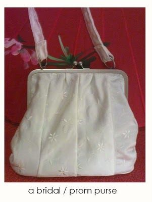 Customized handbag in duchesse with floral embroidery
