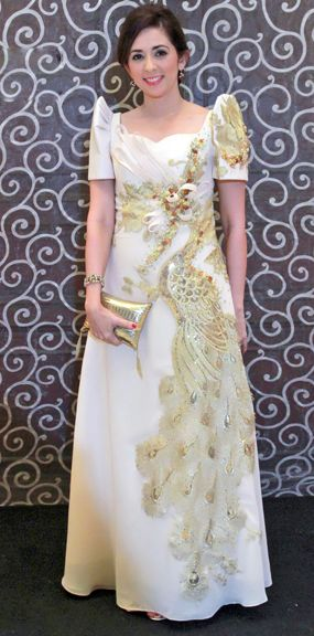 17 Best Images About Filipiniana Dresses Gowns Philippine Traditional Dress On Pinterest