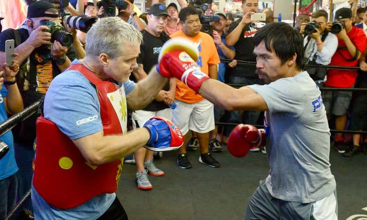 Manny Pacquiao trains with Freddie Roach in the Wild Card gym. Photograph: Michael Nelson/EPA