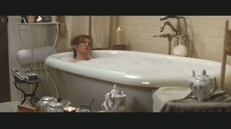 Must Love Dogs bathroom. LOVE the tub!Movie House, Diane Lane, Lane Bathroom, Dogs Bathroom, Movie Sets, Sets Decor, Lane Bungalows, Dogs 64, Dogs Love