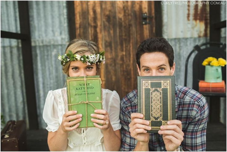 Hunter Valley Pre Wedding Photos – Vintage books for engagement photos