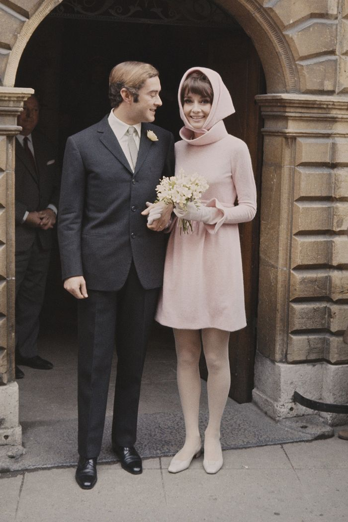 Meghan Kim And Audrey All Agree Givenchy Wedding Dresses Rule In 2020 Audrey Hepburn Wedding Dress Givenchy Wedding Dress Audrey Hepburn Wedding