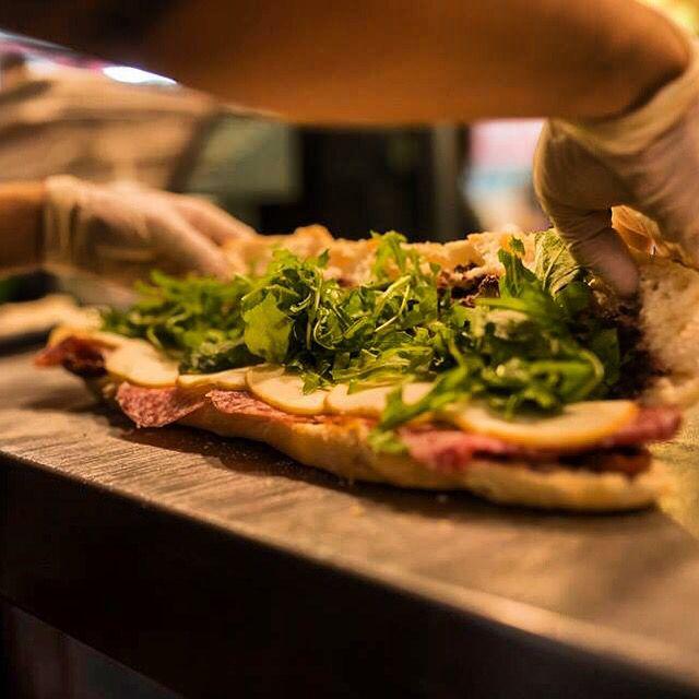 #Risorgimento Salame Milano scamorza crema d olive rucola salsa 200gradi