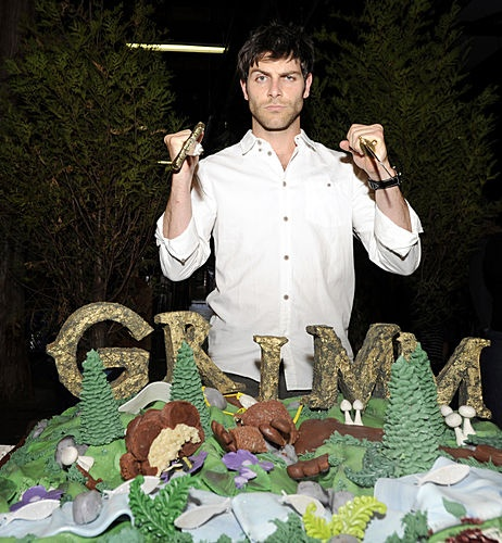 David Giuntoli and a Grimm cake.