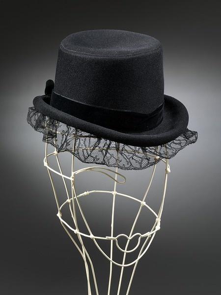Hat | Elsa Schiaparelli | 1938.