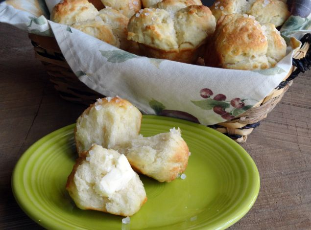 Cloverleaf Rolls: Photo - 1 | Just A Pinch Recipes