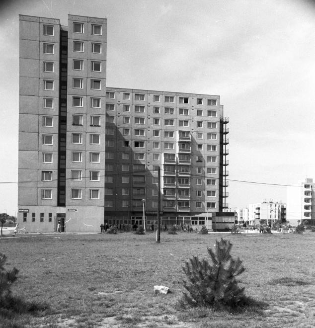 Palotaváros (Lenin lakótelep), Selyem utca 1.
