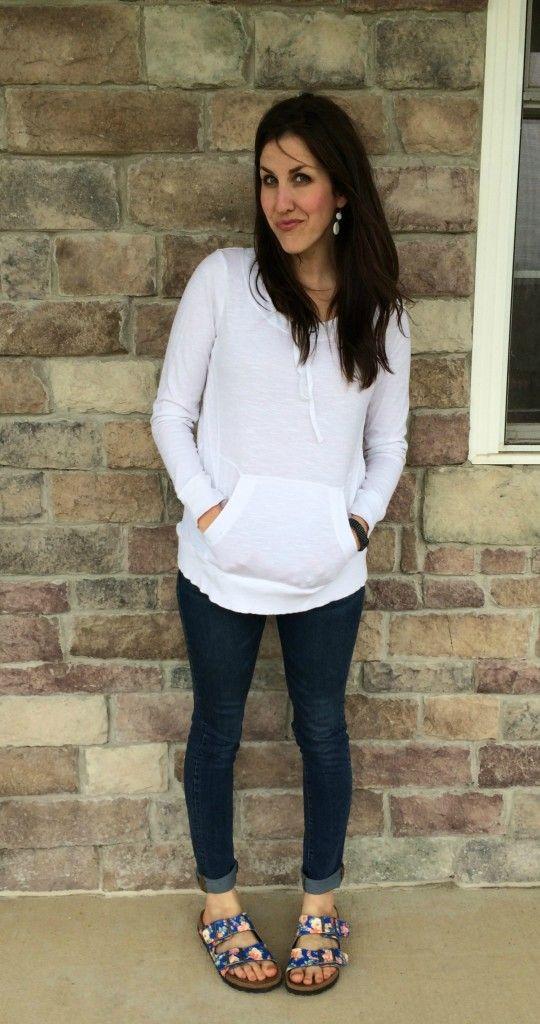 floral birkenstocks skinny jeans white sweatshirt outfit mom outfits pinterest. Black Bedroom Furniture Sets. Home Design Ideas