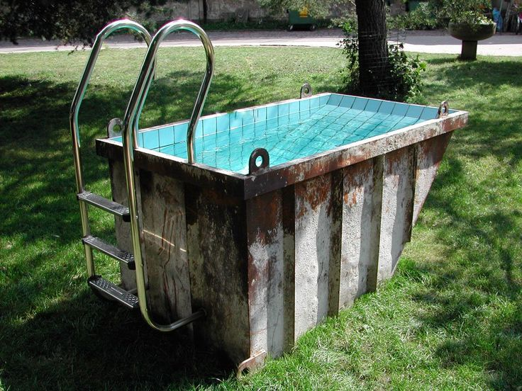 Cute Mini Dumpster Swimming Pool - #PoolsSpas #Dumpster #Miniature #Outdoor #Pool #Recycled #UrbanGardening