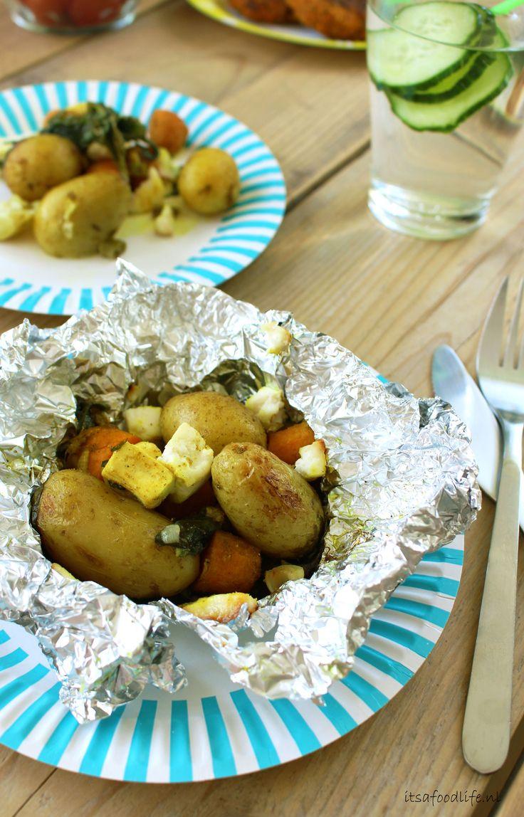Indiaas gekruide gepofte aardappelpakketjes | It's a Food Life