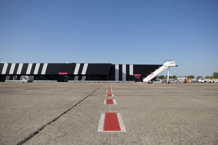 aérogare | airport low-cost - bordeaux-mérignac - marjan hessamfar + joe vérons - 2010